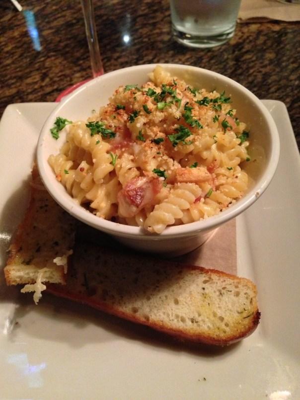 BJs-restaurant-mac-and-cheese