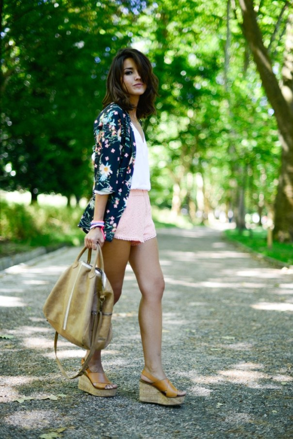 Printed Kimono top with White V-neck and Pink Shorts