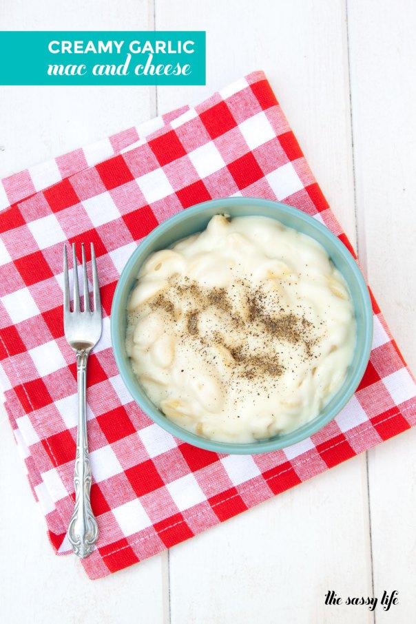 Creamy Garlic Macaroni & Cheese