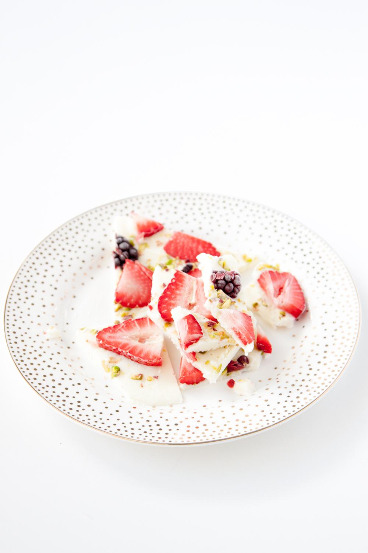strawberry-blackberry-pistachio-yogurt-bark-web-1