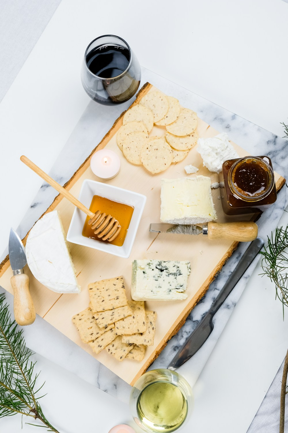 The Easy Way To Build The Perfect Cheeseboard