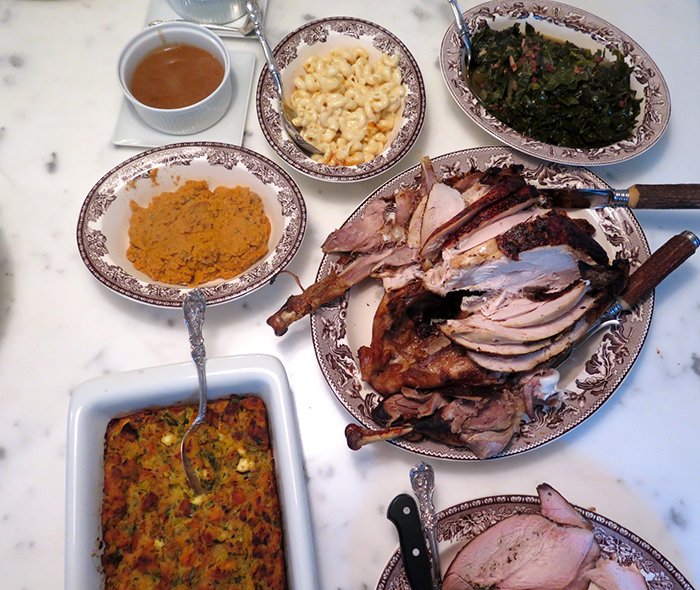 thanksgiving-spread-the-savvier