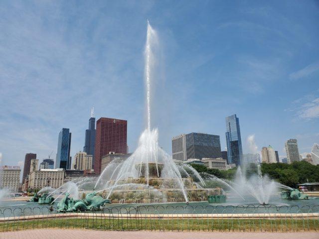 Buckingham Fountain in Chicago bucket list attraction