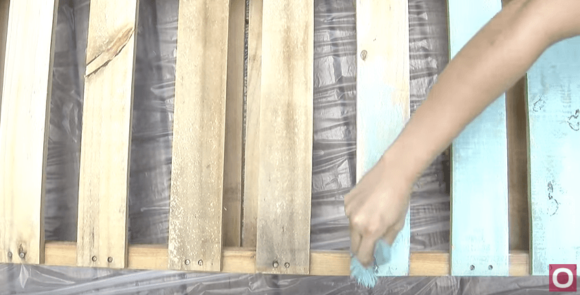 Painting the pallets
