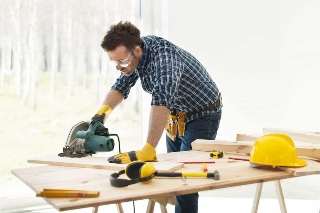 Circular Saw Safety Tips