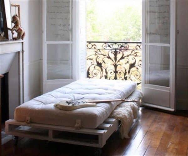 Pallet Bed For Kids Room
