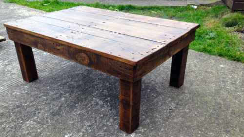 Rustic Coffee Table From Reclaimed Wood Pallets