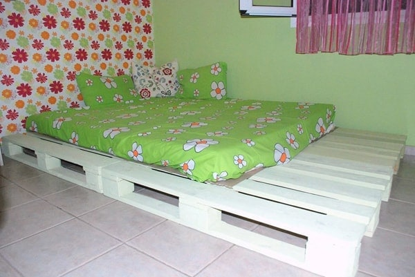 Simple And Quick Pallet Bed