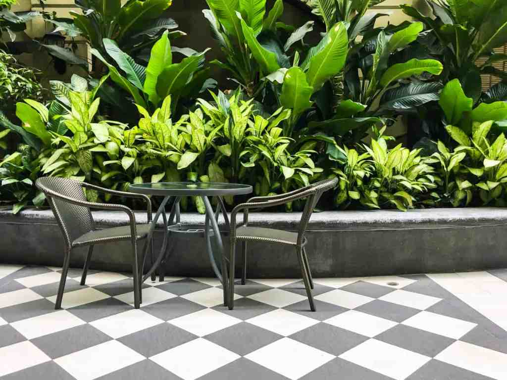 checkered tiles with metal seatins