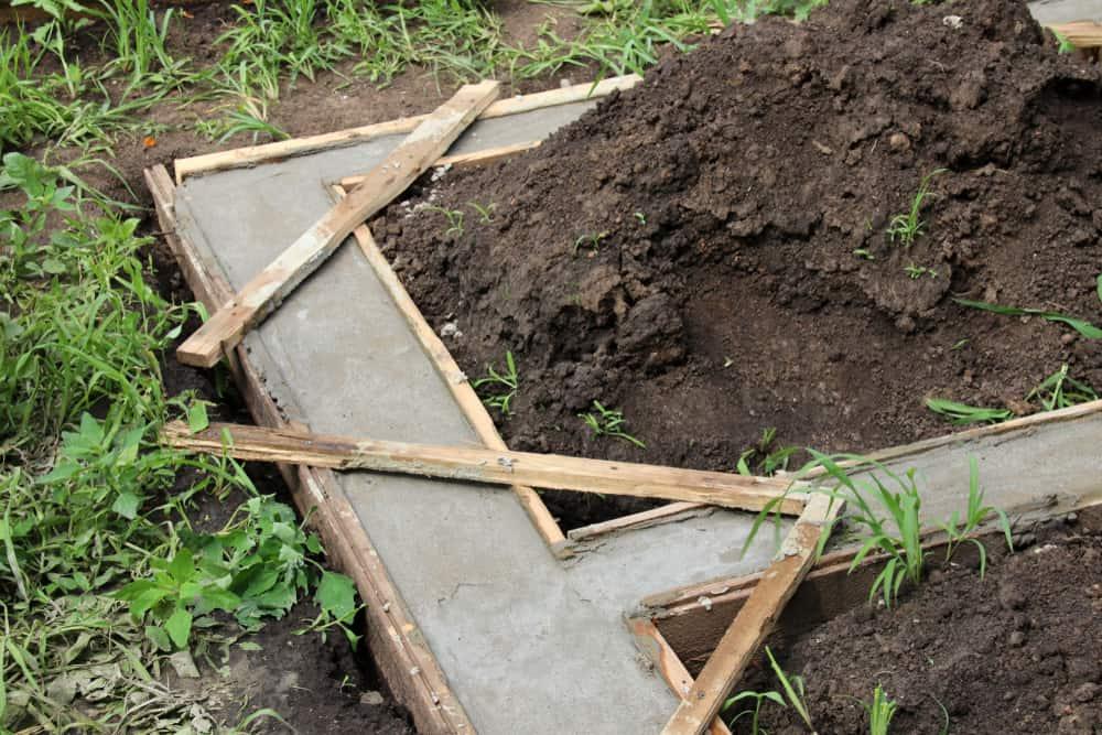 building raised garden