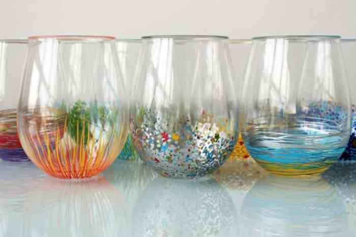 Colorful Glassware Forget your typical wine glasses! Add some character and pizzazz to your stemless wine glasses by adding a punch of color. These wine glasses will be great for your next party too.thesawguy.com