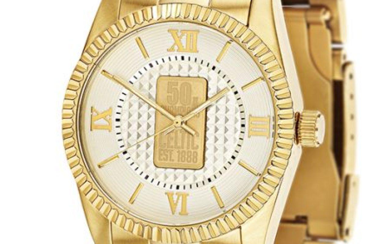 Danbury Mint jewellers create gold ...