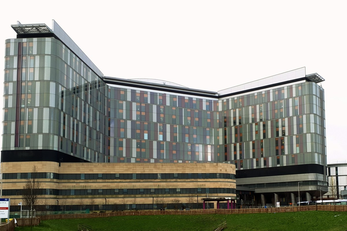Pigeons at Glasgow's Queen Elizabeth University Hospital 'dismissed as nuisance' months before deaths linked t