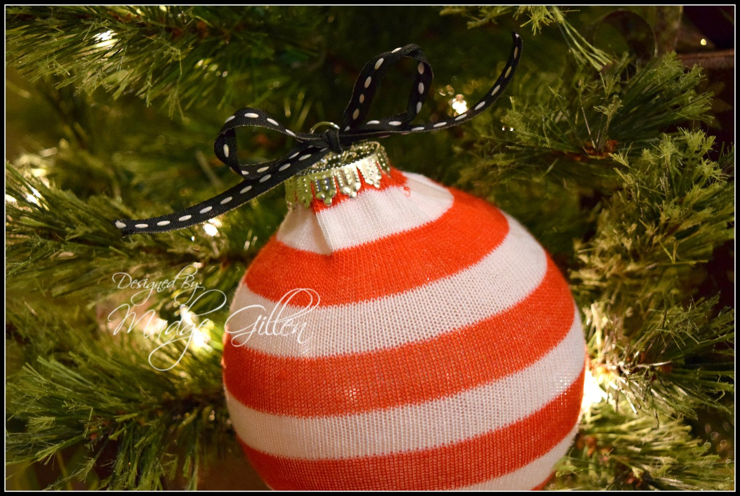 DIY Christmas Sock Ornament.madgegillen2