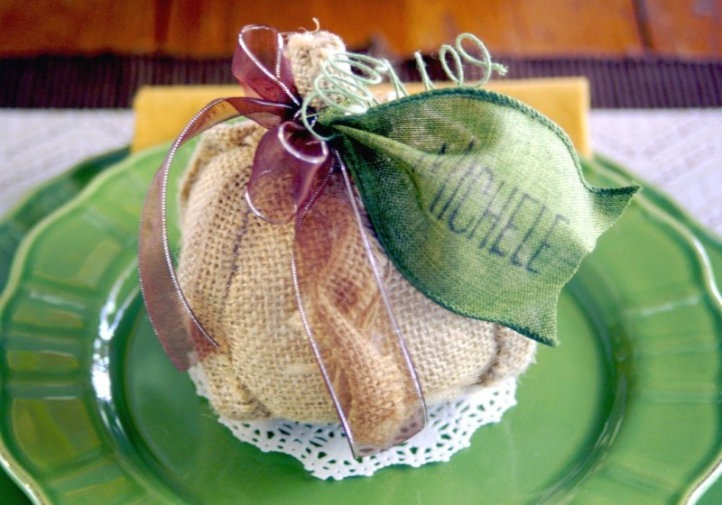 personalized-pumpkin-place-setting