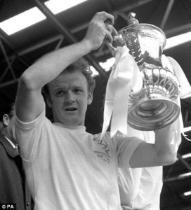 Bremner lifting the FA Cup (1972)