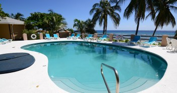Pool and Hot TubRS