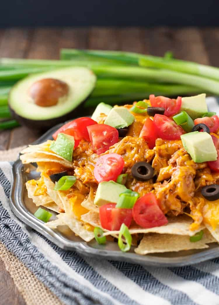 Slow Cooker Chicken Nachos | Appetizers | Appetizers for Party | Appetizers Easy | Slow Cooker Recipes | Crock Pot Recipes | Crock Pot Chicken