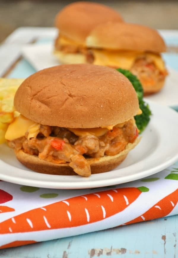 Delicious Cheesy and Easy Barbecue Chicken Sliders
