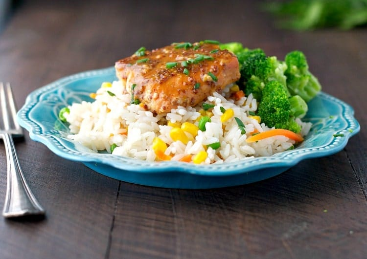 Make weeknight meals easy with this 4-Ingredient Maple Glazed Salmon! It's a healthy dinner that only requires about 10 minutes of your time!