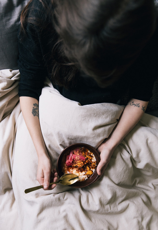 Recipe | Rhubarb & honeycomb porridge | These Four Walls blog