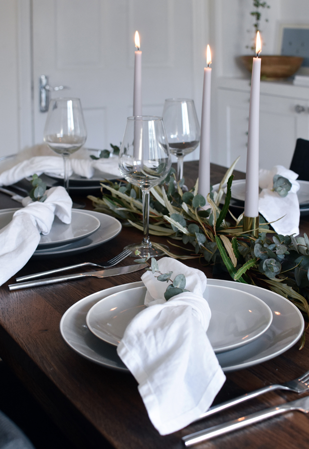Simple Christmas table styling | These Four Walls blog