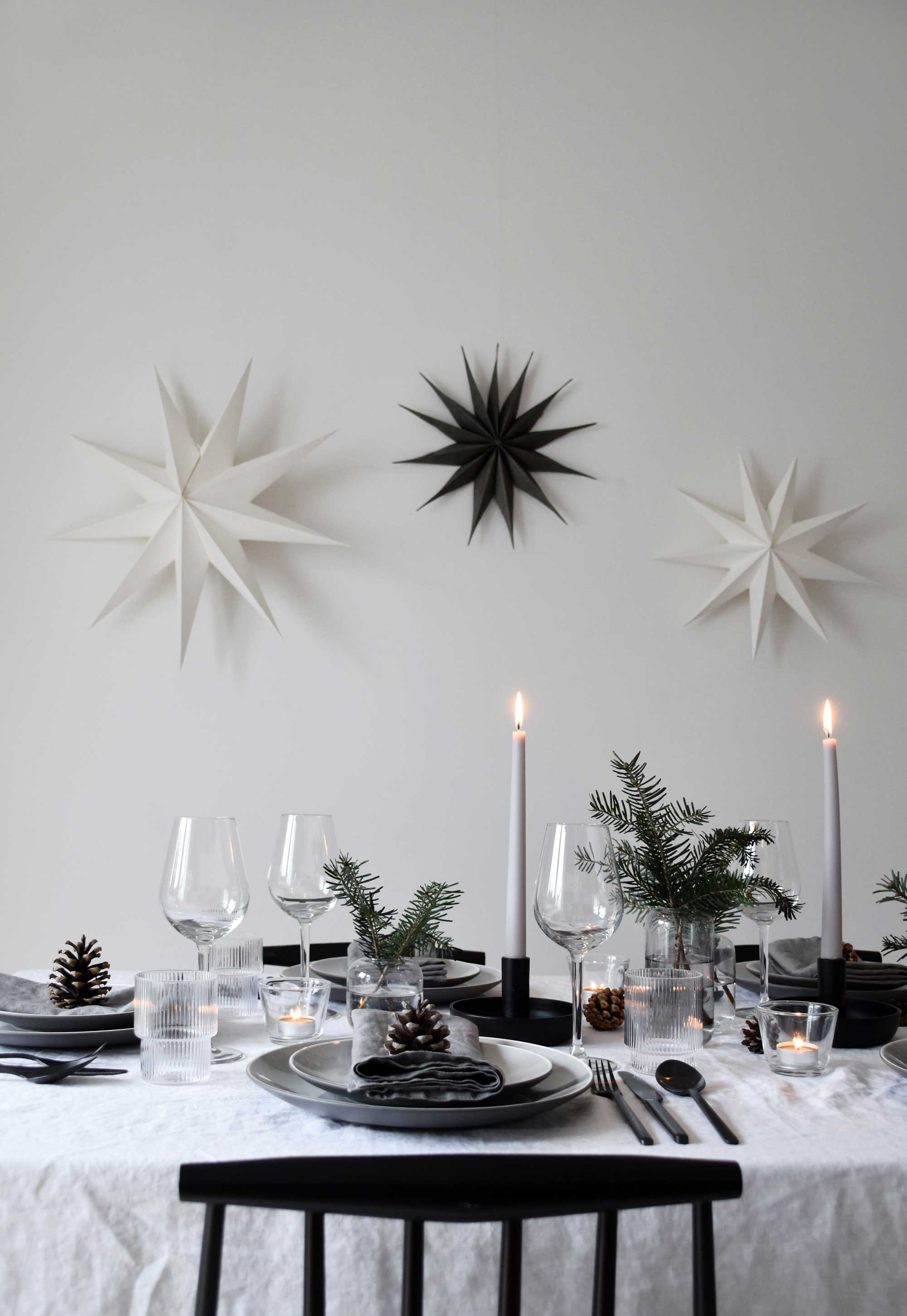 Simple Christmas decorating ideas using paper stars