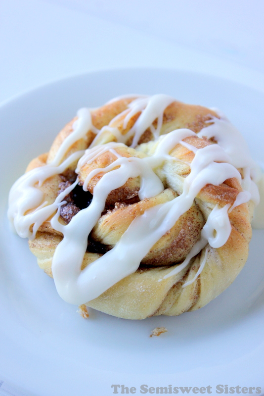 Cinnamon Roll Twist Knots