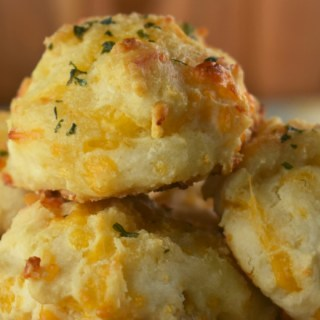 Cheesy Garlic Biscuits are a copycat Red Lobster Cheddar Bay Biscuits recipe. Using Bisquick makes these quick and easy.