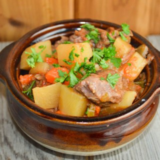 Nothing says comfort food like beef stew. Mom's Crock Pot Beef Stew is hearty, full of flavor and easy to put together for a busy weeknight or a Sunday night family dinner.
