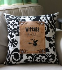 Make a Graphic Halloween Pillow - DIY Tutorial - The ...