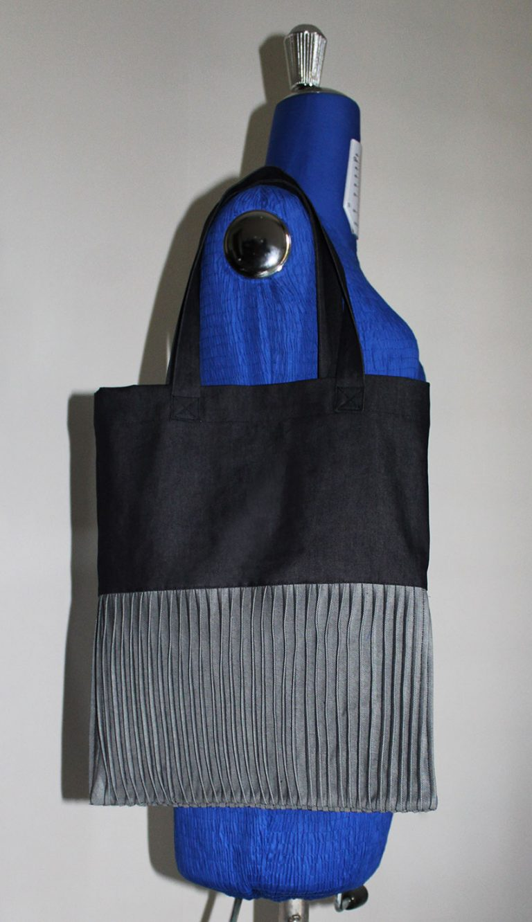 Sewing tutorial: Pin tuck tote bag