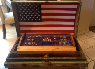 shadowbox-chest-flag
