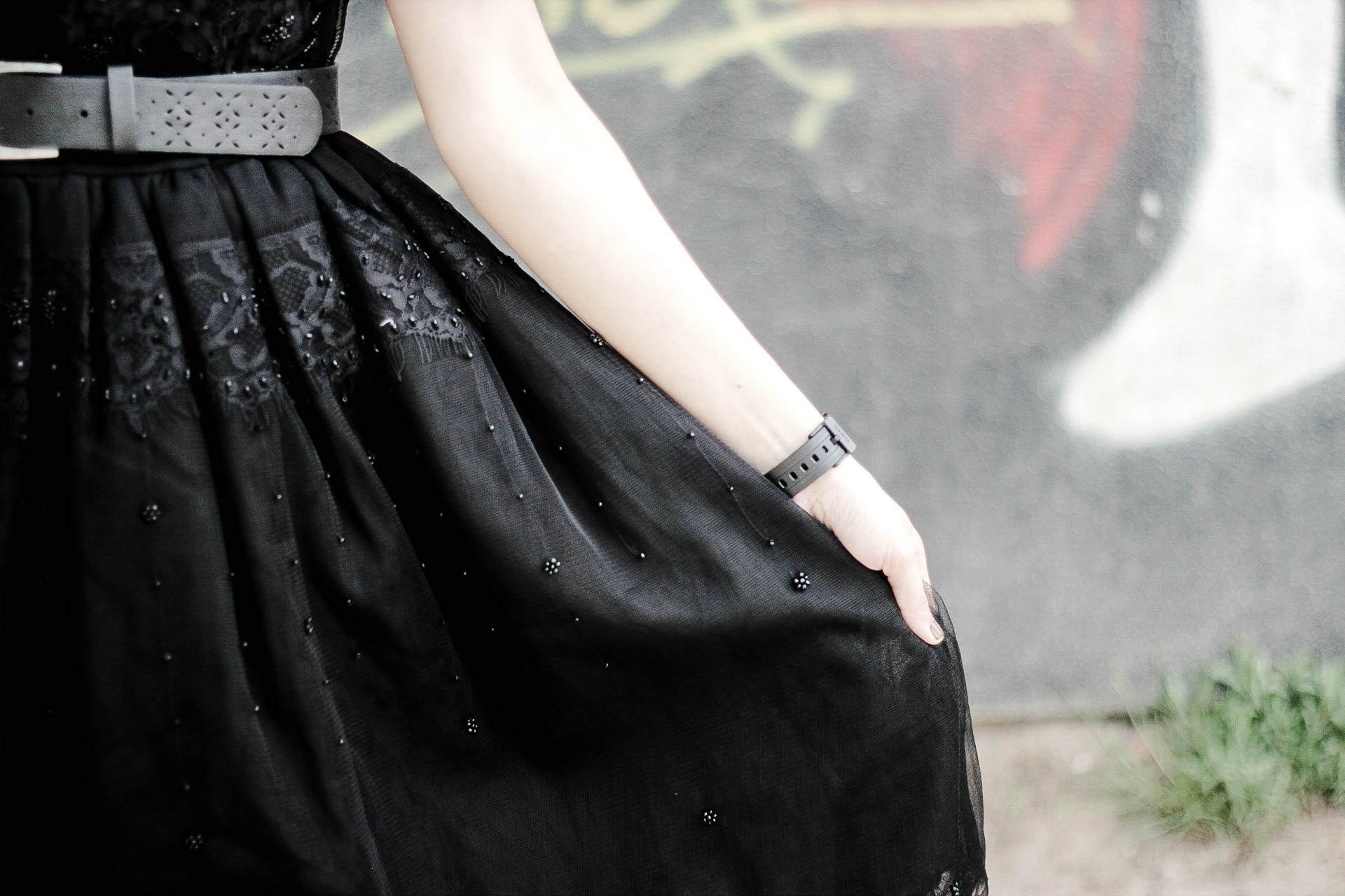 outfit-little-black-beaded-dress