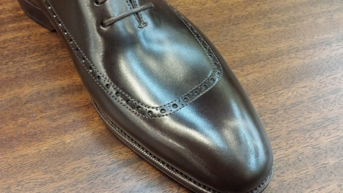 brogueing on the wholecut.... no real seams there...
