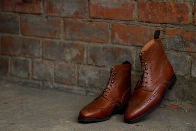 The Holman in Tan Scotch Grain