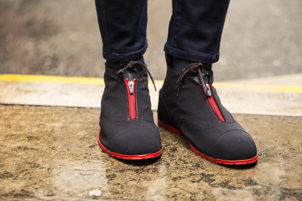 Dress shoe galoshes