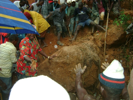 LANSLIDE KILLS IN SALONE
