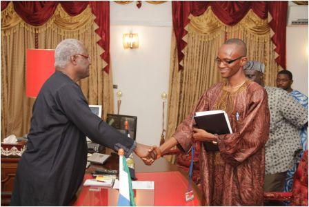 SLAJ-President-Umaru-Fofonah-extends-greetings-to-President-Koroma