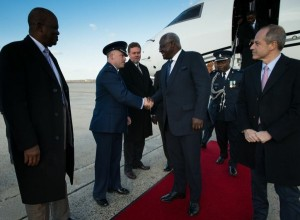 president koroma arrives in washington - 2013