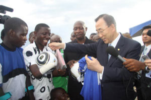 Ban ki moon meeting amputees in 2010