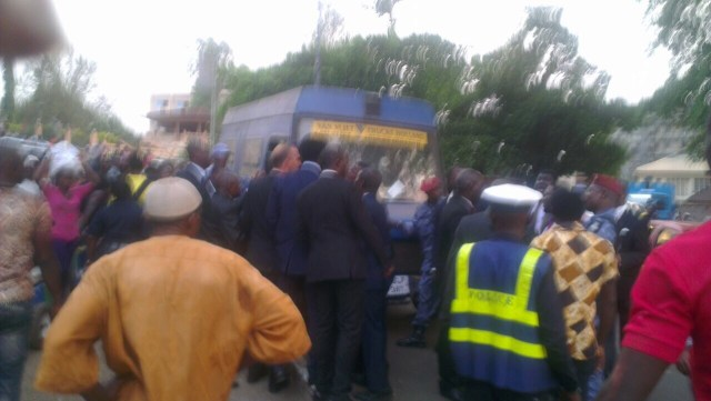 Lawyers protesting arrest of a lawyer2