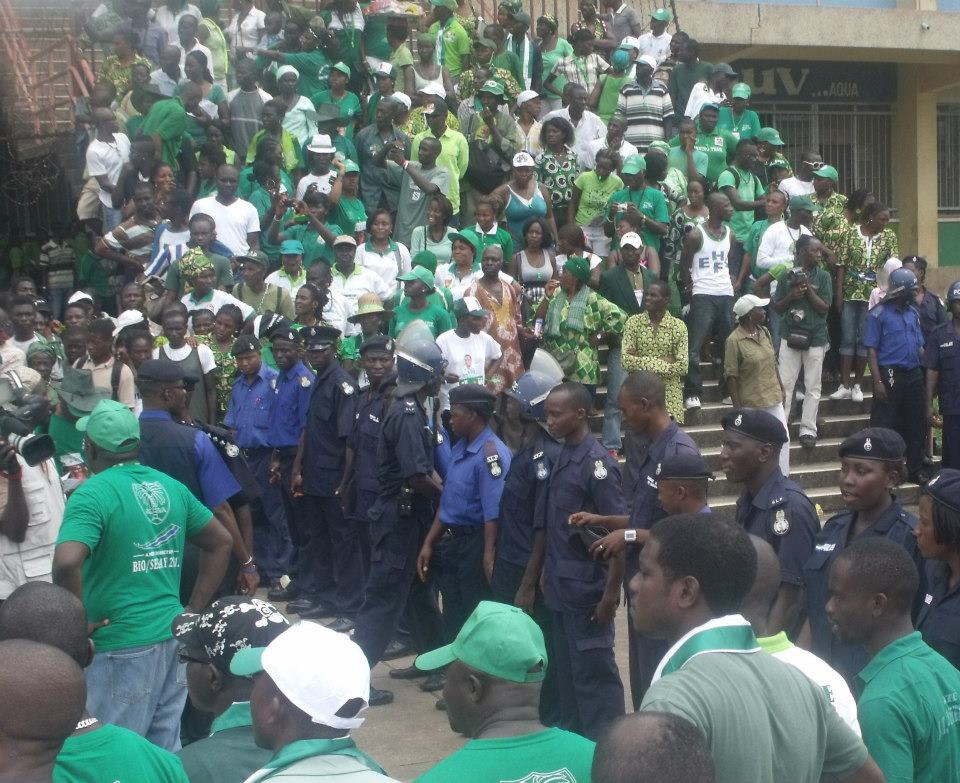 SLPP supporters at their HQ 91012
