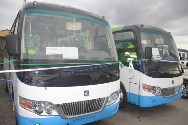 100 buses arrive1