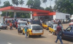 fuel crisis in Freetown- photo credit - Awoko