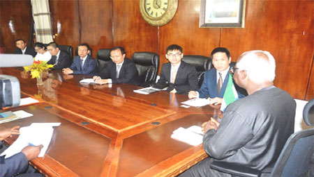 president-koroma-and-the-chinese-airport-delegation-june-2016