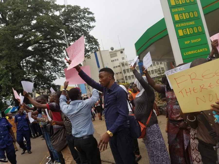 protesters-calling-for-the-release-of-theresa2