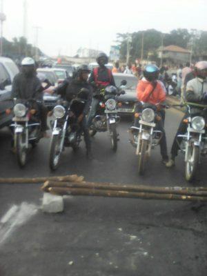 students blockade in Bo 2