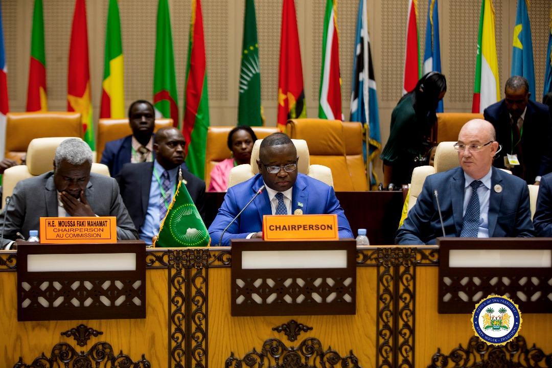 president Bio chairs AU meeting 2