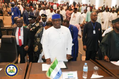 president Bio at the Extraordinary Session of the ECOWAS in Niger 1